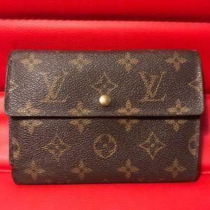 💯Authentic LV Monogram Medium Sized Wallet 💕